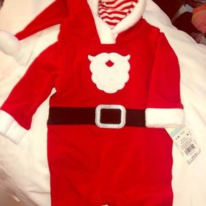 Christmas Santa Baby outfit Nwt 0-3 months